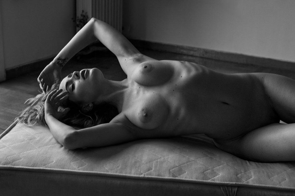 Sadie Gray  nackt